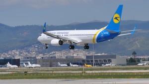 Ukraine-International-Airlines-Boeing-737