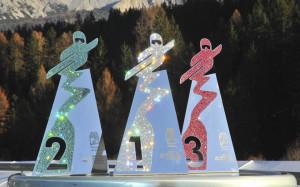 Premio Ski World Cup opera a specchio in acciaio e Swarovski