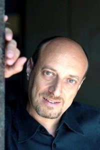 foto Giorgio Bongiovanni regista e voce recitante