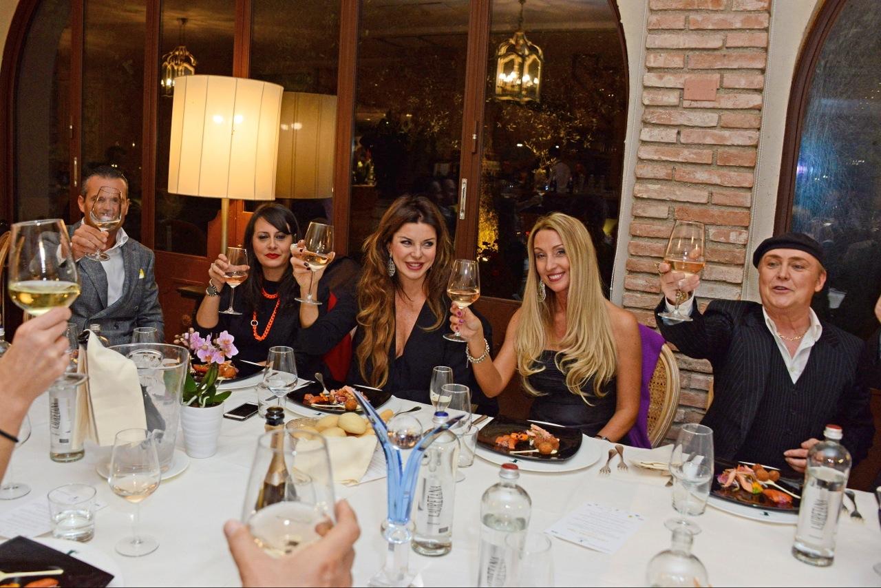 I Salotti Del Gusto.Anna Scafuri Alba Parietti Salotto Tg1 Celebrity Night Davide