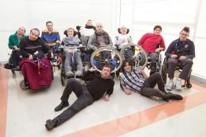 Compagnia GLI SCARROZZATI mi girano le ruote - teatro e disabilità