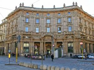 Piazza-Cordusio-Palazzo-Broggi-Poste