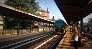 stazione-trenord-treno-in-arrivo