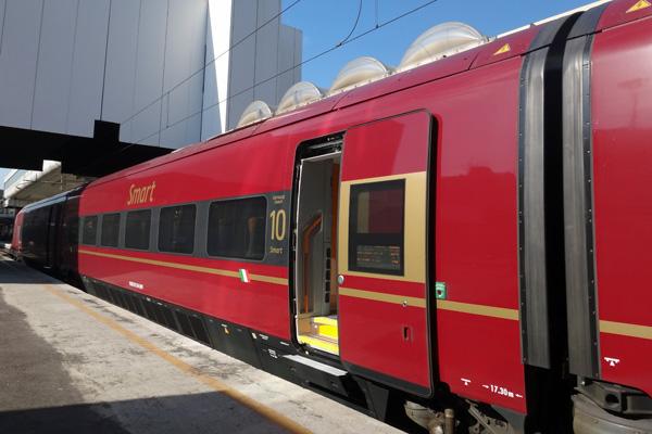 Trasporti italo smart ntv biglietti extra lerge low cost - Binario italo porta garibaldi ...