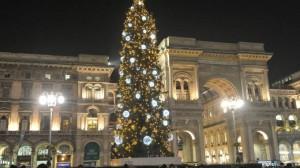Milano - albero natale -foto di repertorio