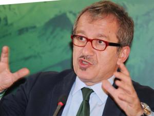 Roberto_Maroni-politico