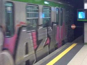 treni grafittati