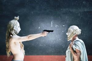 socrate_pistola_stretta_stampa_ph_Giulio_Favotto