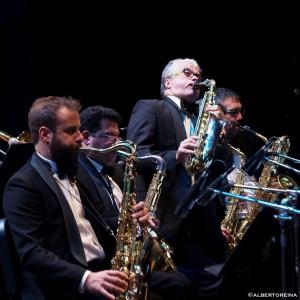 Jazz Company Big Band e Gabriele Comeglio (al centro)