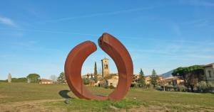 'Scultori a Brufa, la strada del vino e dell'arte'