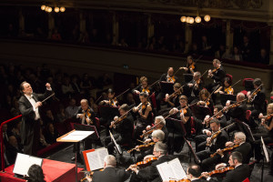 Riccardo Chailly e Orchestra Scala ph Brescia e Amisano