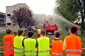 Demolizione dell'ex scuola di via Rimini