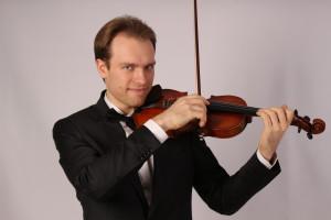 Artem Dzeganovskyi violino