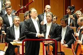 Orchestra e coro tornano al Piermarini